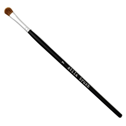 #07 Precision Crease Brush